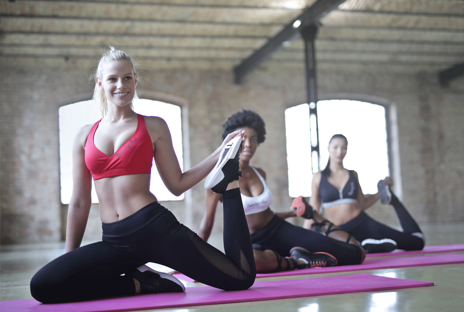 Women Doing Yoga | What Are The Best Types Of Yoga For Weight Loss?